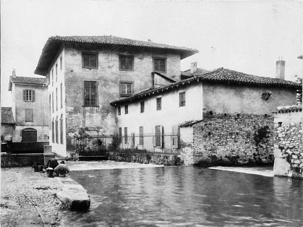 La derivazione della Roggia Nuova ai Moduli di Plorzano, tra via S. Caterina e via Barzizza